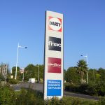 YES-COMMUNICATION-TOTEM-RETAIL-PARK-BAYONNE