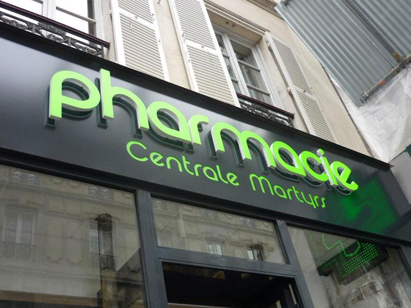 Yes-Communication-Pointe-de-vente-enseigne-Enseigne-et-Croix-de-pharmacie LED