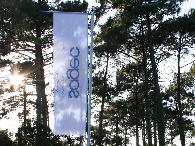 Yes-Communication-Pointe-de-vente-mat-drapeau